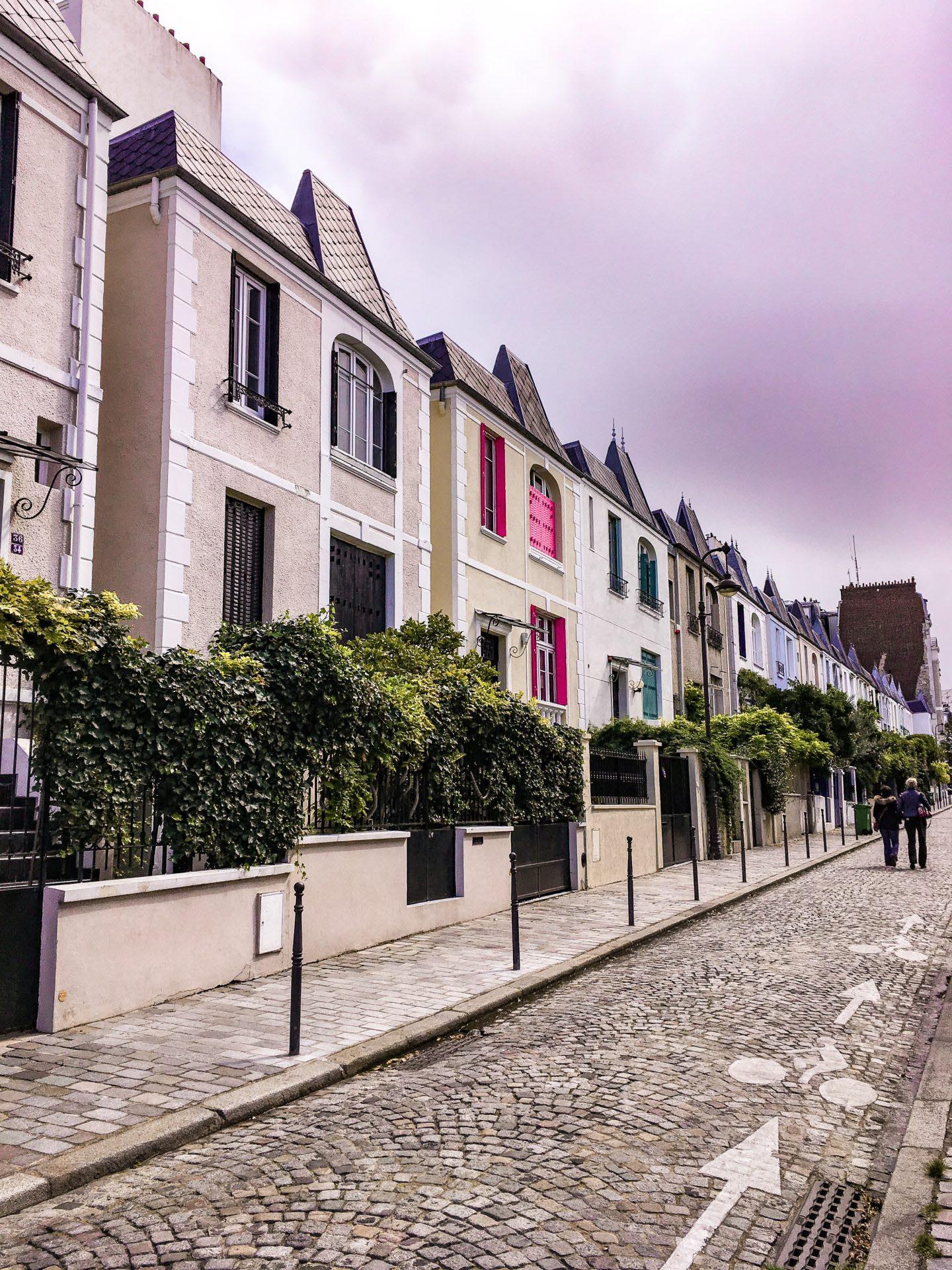 LES COINS SECRETS DE PARIS